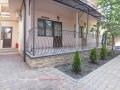Grapestairway-fasade-pan01